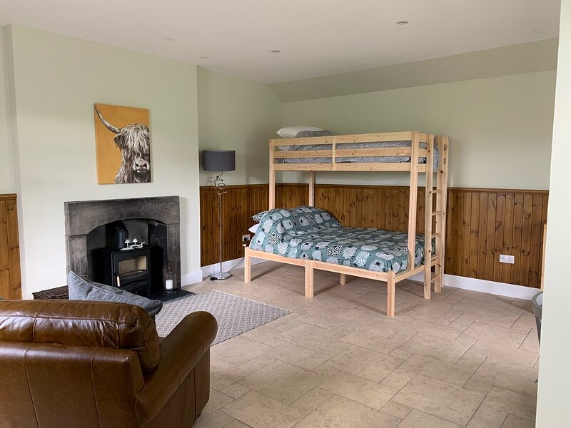 Traditional bothy accommodation, vacation rental in Meikleour