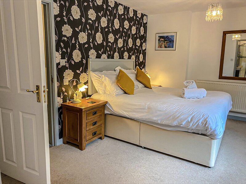 Springfields - Annex with two double bedrooms in a rural British village, holiday rental in Herne
