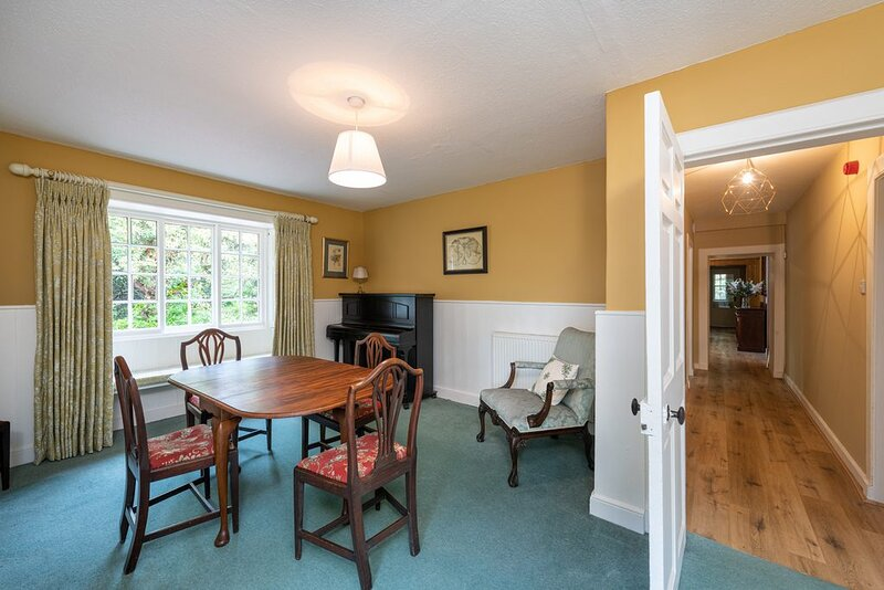 CRANSTOUN RIDDEL - MAGNIFICENT 6 BEDROOM PROPERTY, holiday rental in Oxton
