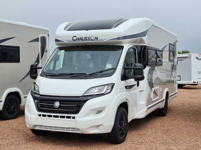 Nessie Brand New 2021 Luxury Automatic 4 Berth Motorhome, casa vacanza a Linlithgow