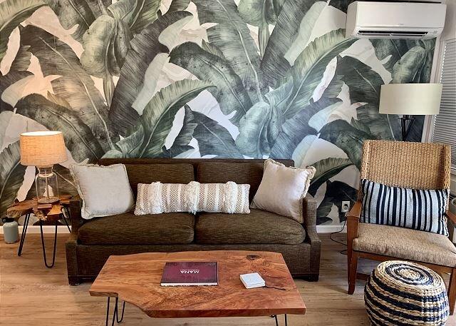 NEW! Plantation Hale Suites J8, Garden View, Ground Floor, AC, Walk to Beach, alquiler de vacaciones en Kapaa