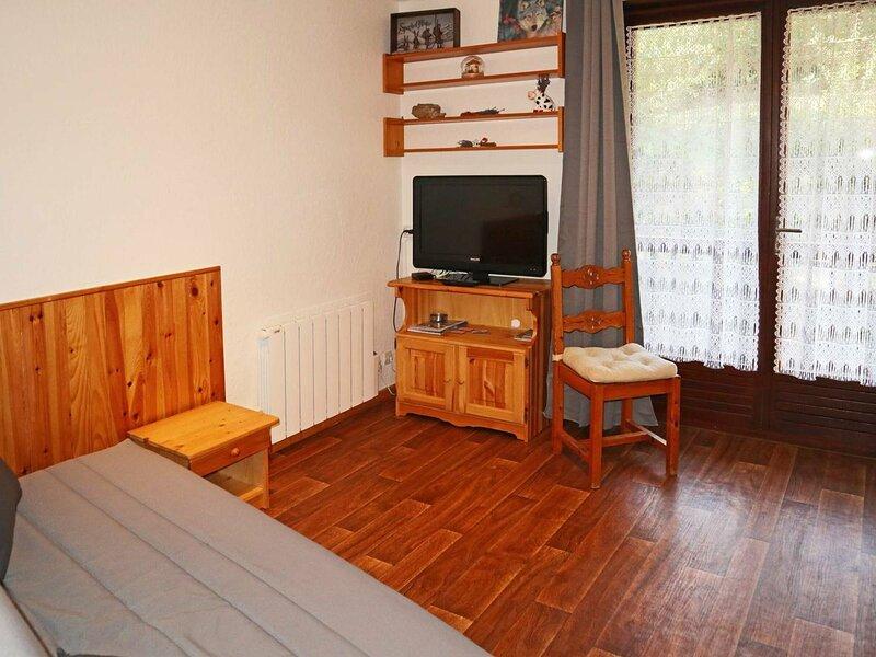 Joli studio 4 personnes dans une petite résidence, holiday rental in Saint-Sauveur