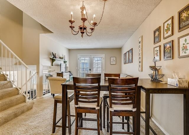 Peaceful 3 bedroom Townhome-Ideally Located, holiday rental in Broomfield