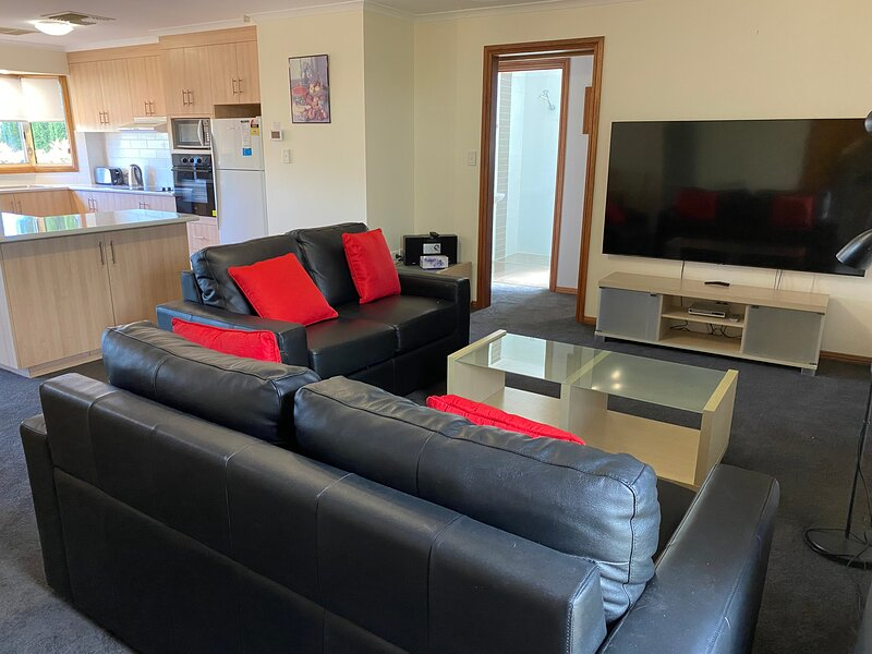 Apartments on tolmie, holiday rental in Nelson