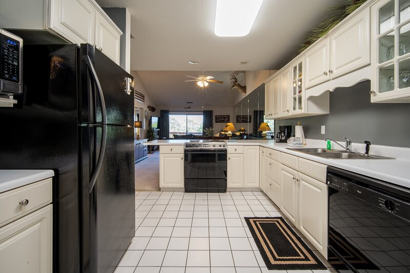 Full Kitchen with Major Appliances