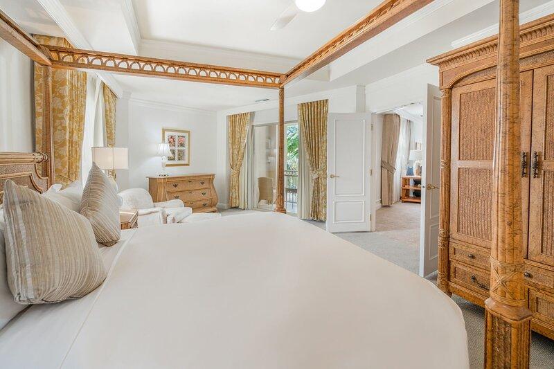 Furniture,Room,Indoors,Bedroom,Bed