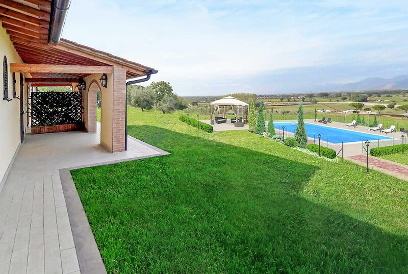 Fantastic villas set within the Tuscan countryside, holiday rental in Cenaia