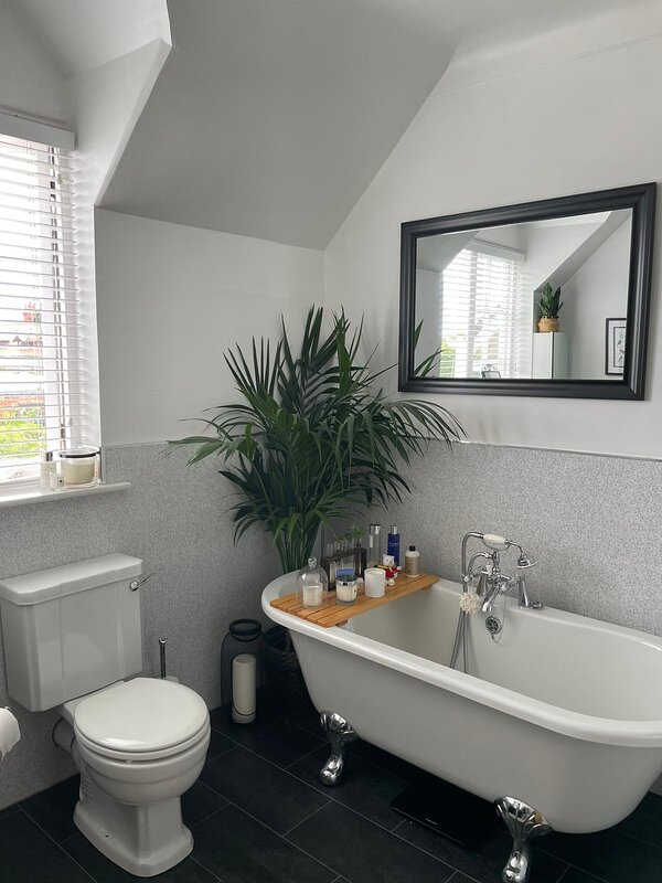 Port Sunlight Railway Cottage, holiday rental in Heswall