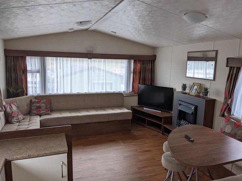 Gloria Stay Holiday Carvan, holiday rental in Aberystwyth
