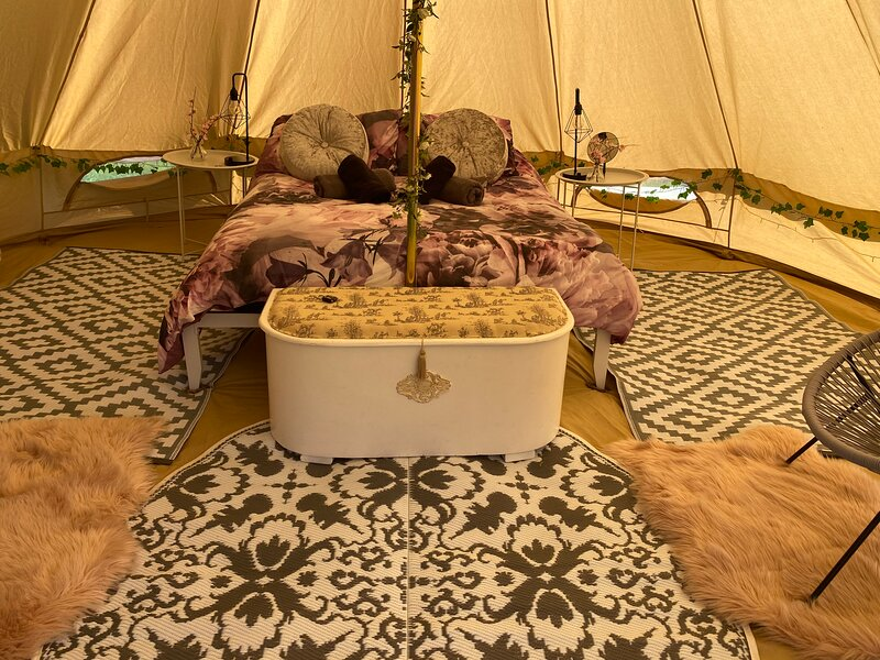 Bell Tent Glamping St Austell Cornwall, holiday rental in St Stephen