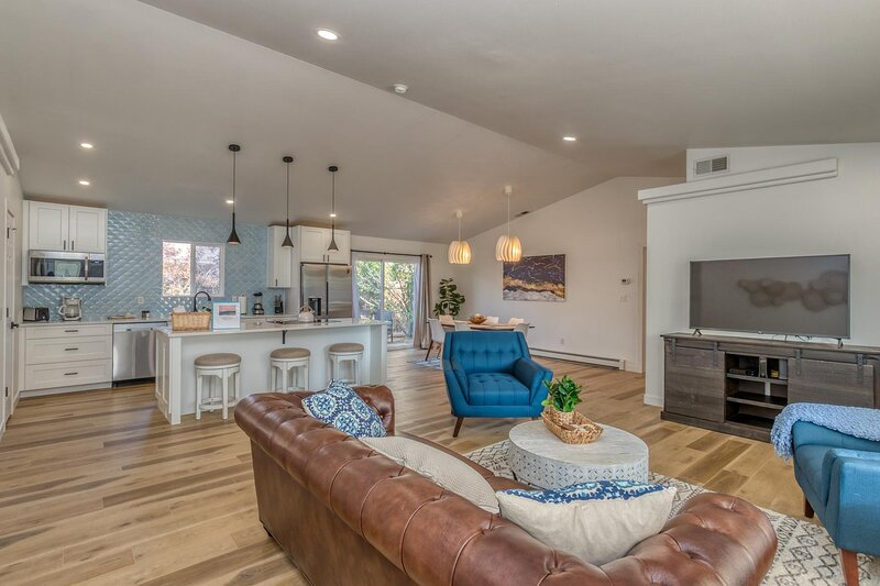 ❤️Marshall Home: Beautiful 1 level home, free wi-fi, Centrally located, holiday rental in Fruitvale