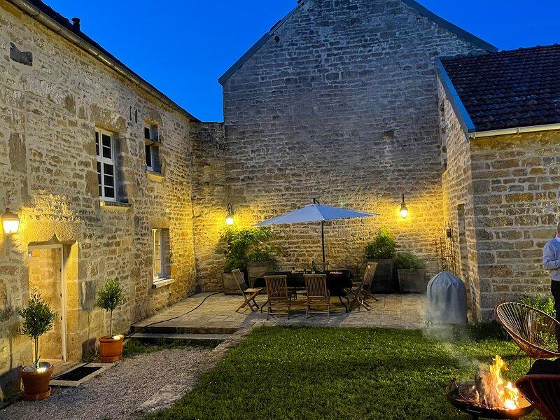 Maison De charme avec piscine, holiday rental in Bragelogne-Beauvoir