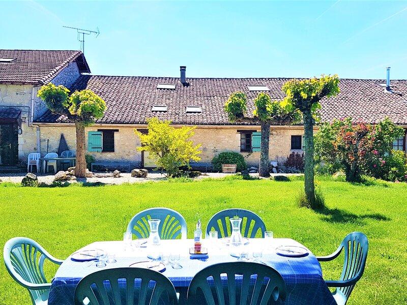 La Grande Maison, location de vacances à Saint-Aubin-de-Cadelech