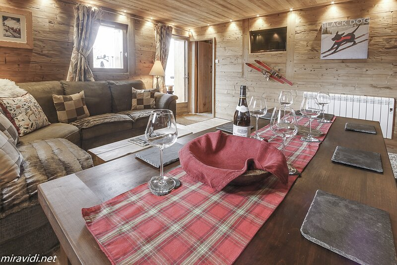 Mont Blanc Apartment, Chalet Miravidi, Montchavin La Plagne, vakantiewoning in Montchavin