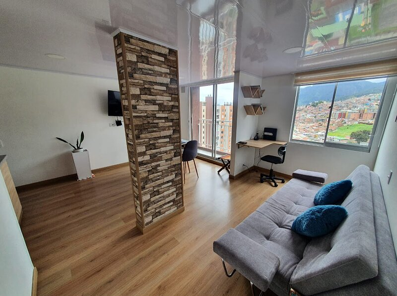 Brand new near downtown, 60Mb wifi a real Bogotá experience 60Mb wifi, holiday rental in Choachi