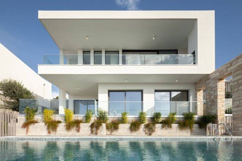 Lemba 16 Luxury 4 Bedroom Villa, aluguéis de temporada em Emba