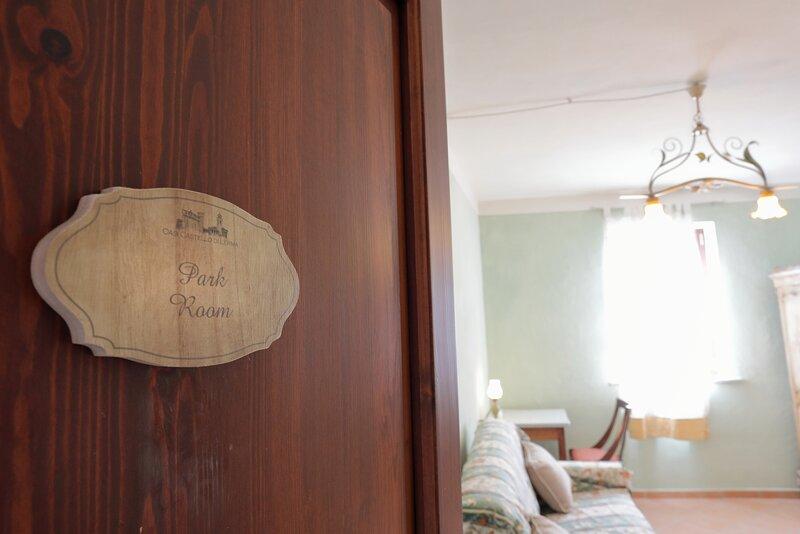 Oasi CastellodiLerma nel Monferrato Panoramico Park Room, holiday rental in Campo Ligure