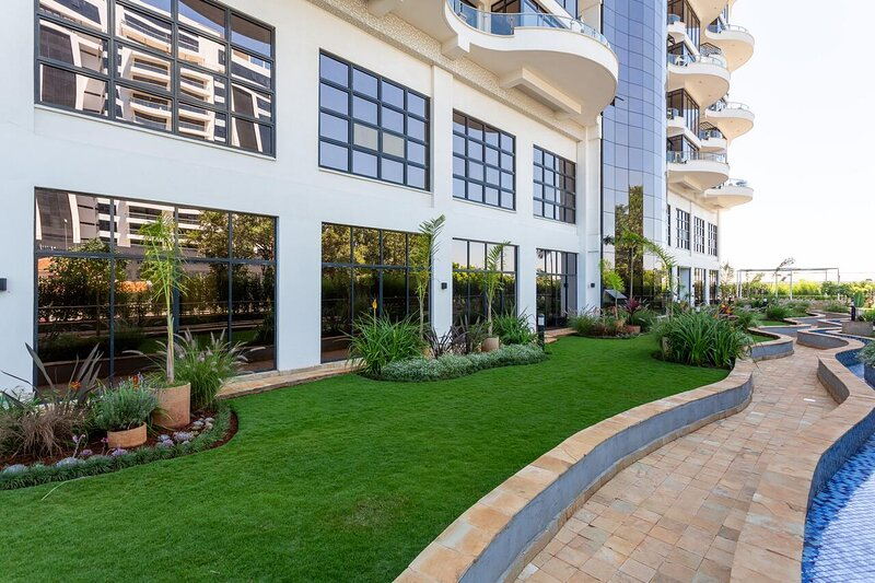 Lovely Two Bedroom Apartment with a Pool, vacation rental in Limuru