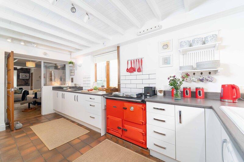Curlew Cottage – Sleeps 4 – Garden – Dog Friendly, vacation rental in Lelant