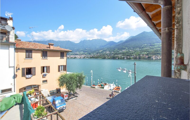 Stunning apartment in Monte Isola with 2 Bedrooms (IVI181), holiday rental in Pilzone