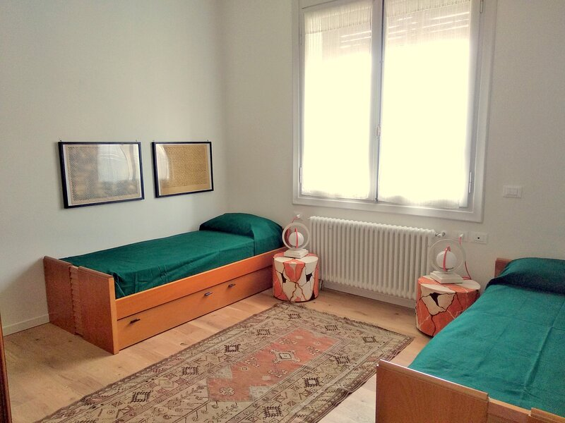 Ca' del Vento City 2 Quiet, comfortable apartment near the city center, holiday rental in Malo