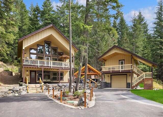 Pet Friendly in Evergreen Valley!  Gazebo*Hot Tub*Game Room*Projection TV, vacation rental in Ronald