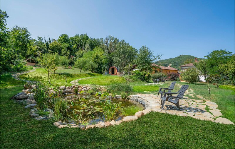 Stunning home in Cessole with Sauna, WiFi and 3 Bedrooms (IPL266), holiday rental in Monastero Bormida