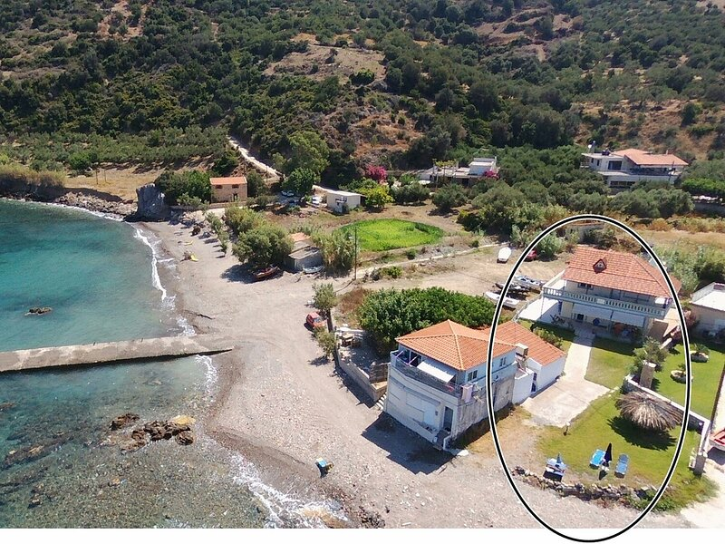 House just on the beach -included 2 canoe, 2 bicycles, holiday rental in Ravdoucha