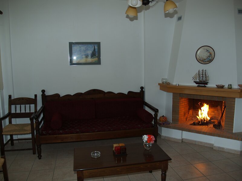 Blazis House - Apartment 1, holiday rental in Aspro