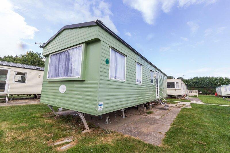 Great 8 berth caravan for hire in Skegness ref 33069F, aluguéis de temporada em Burgh le Marsh