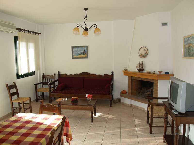Blazis House - Apartment 2, holiday rental in Aspro