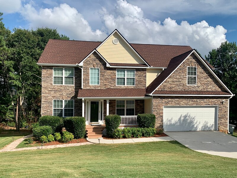 COZY 3Bedroom Private Apartment, vacation rental in Conyers