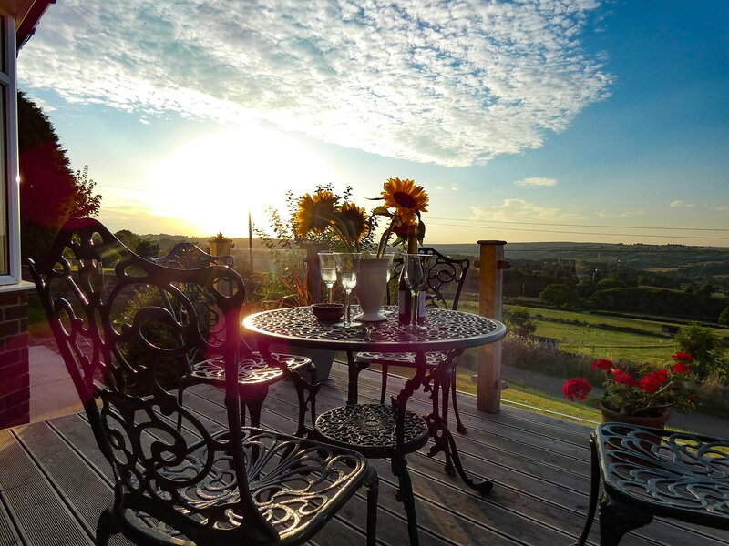 The Bungalow*Barlow, Chesterfield, vacation rental in Holmesfield