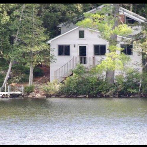 Lake Front Sunday River Cottage sleeps 12, vacation rental in Bethel