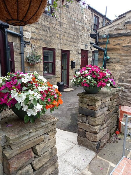 Brock Cottage, pet friendly located in a quaint courtyard close to all amenities, holiday rental in Pateley Bridge