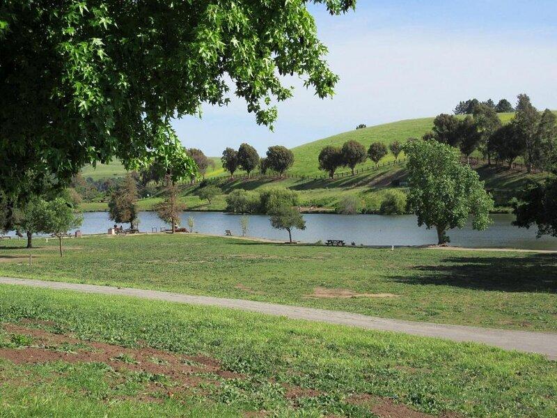 Near Silicon Valley Businesses, Full Kitchen, Park, location de vacances à Milpitas