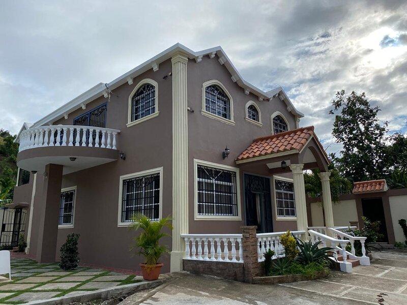 San Cristobal villa, holiday rental in Bani