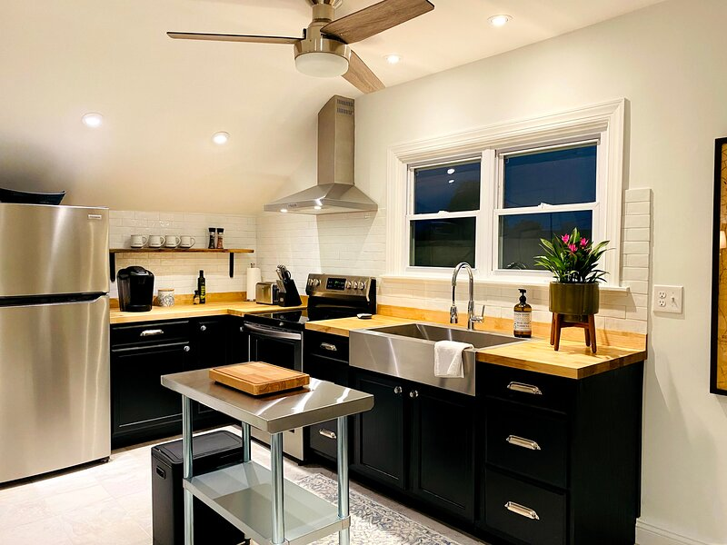 LE PETIT - Newly Renovated Apartment. Stylish & Comfortable!, alquiler vacacional en Canandaigua