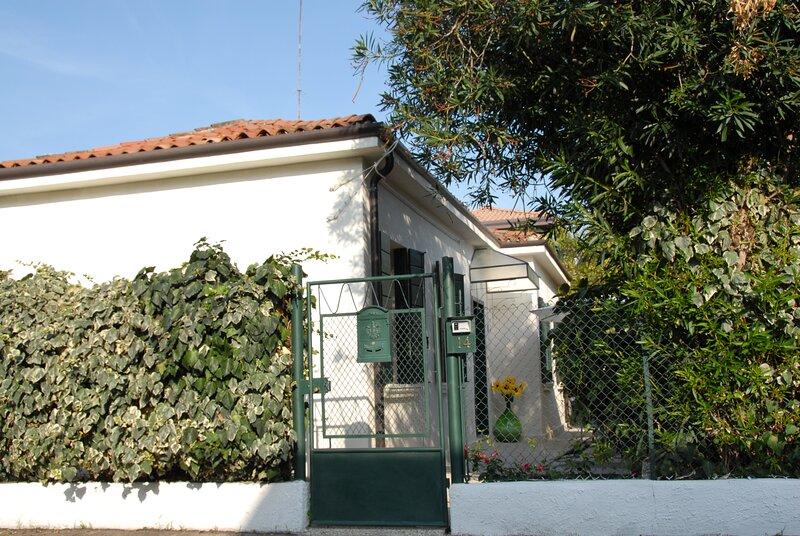 House 1 with garden close by Venice, alquiler vacacional en Mestre