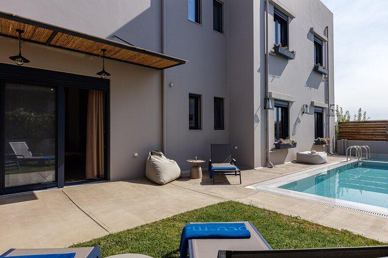 Iron Idaia Home, the art of living!, location de vacances à Sfakaki