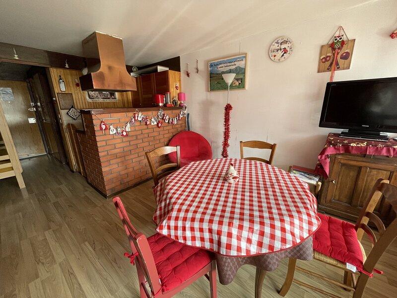 Studio avec balcon Fond du Roy, location de vacances à Le Falgoux