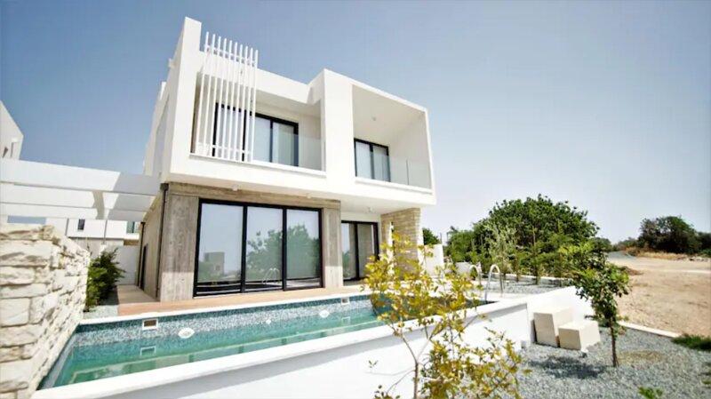 Avalon 11, 4 bedroom Villa with Private Pool, aluguéis de temporada em Emba