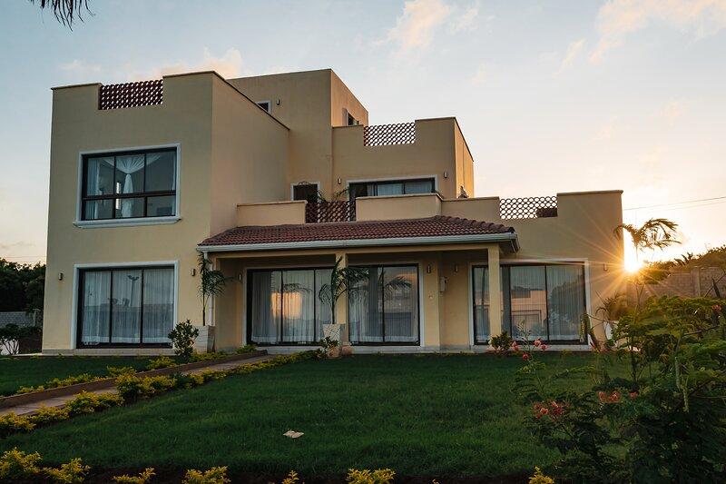 Beautiful 4 Bedroom Villa at Pazuri Vipingo, vacation rental in Kilifi