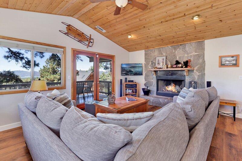 I Love View Lofty 3 BR Moonridge / Games / Spa Tub, vacation rental in Big Bear City