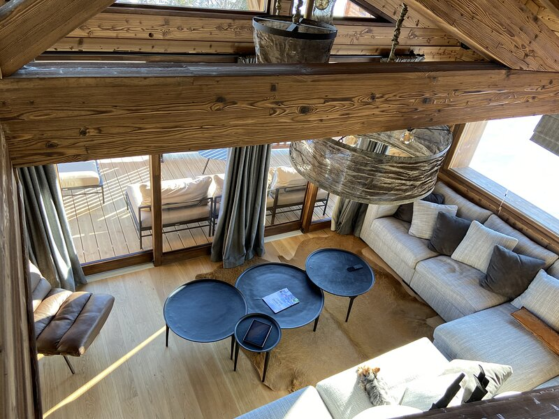 Chalet Cocoa pieds piste 14 personnes 6 chambres sauna jacuzzy, holiday rental in Hauteluce