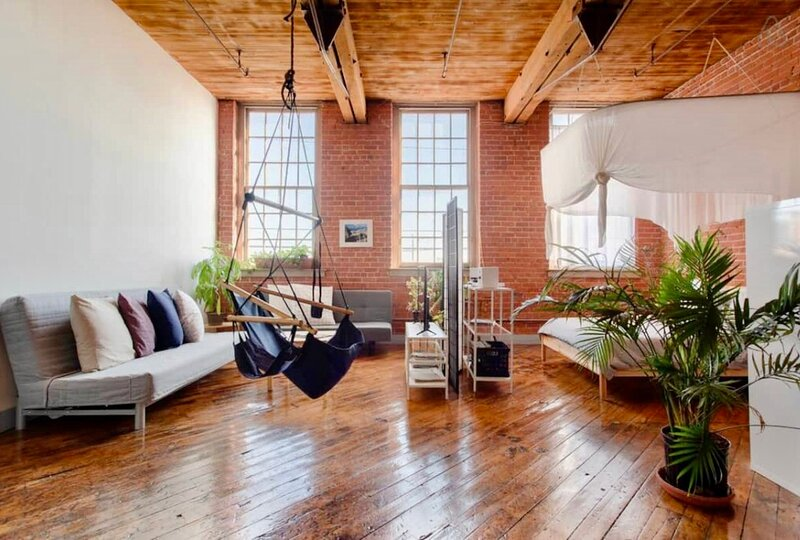 Charming and Stylish Loft on Detroit River, holiday rental in McGregor