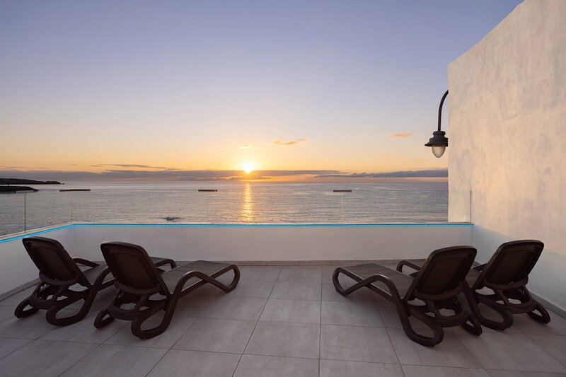 Home2Book Window to the Sea, holiday rental in Arico