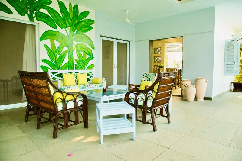Whispering Palms, 3 Bed, Pool, Lawns & Wifi, holiday rental in Nagaon