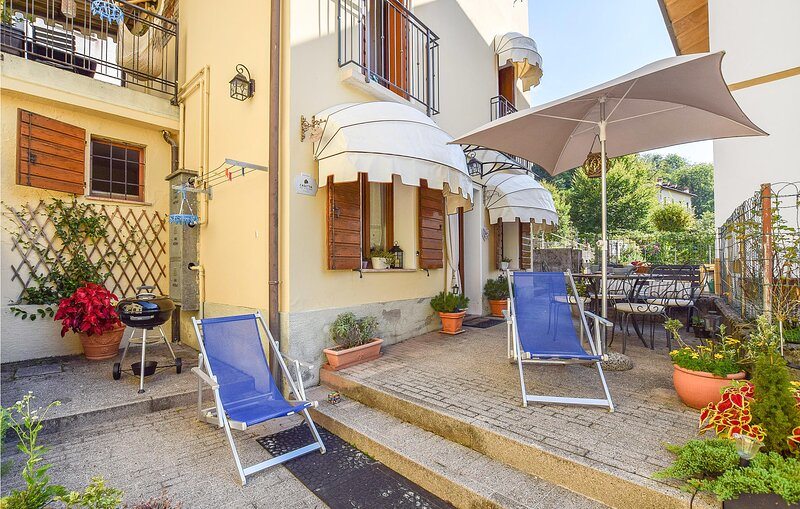 Stunning home in Belluno with WiFi and 1 Bedrooms (IDD381), alquiler vacacional en Belluno
