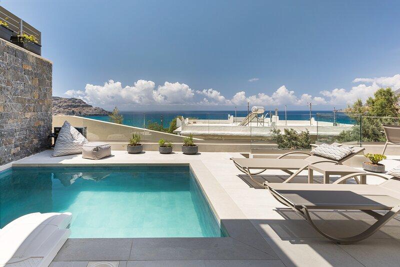 Pearl Villa II, redefined island chic!, Ferienwohnung in Mariou